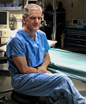 Dr. Arno Smit